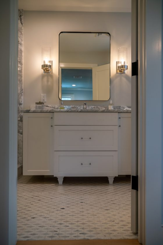 Bathroom vanity and mirror